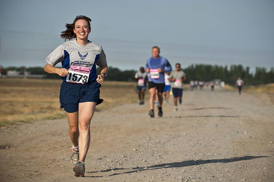 दौड़ने सेे बेस्ट कोई भी एक्सरसाइज नहीं. रनिंग पूरी बॉडी को फिट रखती है. (फोटो : pixabay.com).