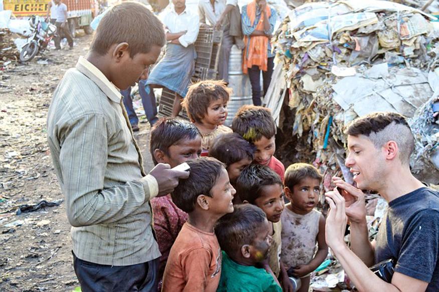 भारत सहित पूरी दुनिया में परिवार की रोजी-रोटी में हिस्सा बंटाने के लिए करोड़ों बच्चे रोज 10 से 14 घंटे तक मजदूरी करते हैं. (फोटो : pixabay.com)
