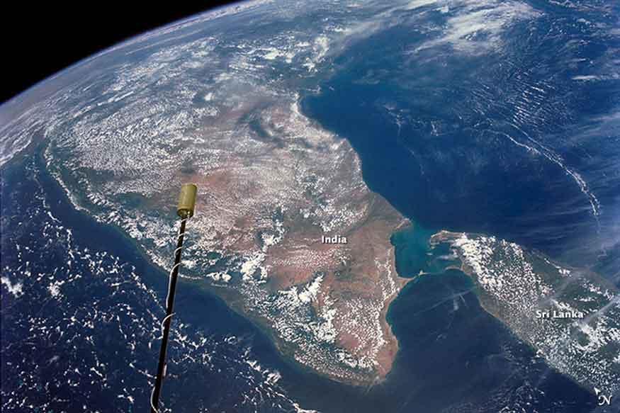 अमेरिकी चैनल ने वैज्ञानिक रूप से यह साबित कर दिया है कि रामसेतु मानव निर्मित है. (फोटो : Nasa Image gallery).