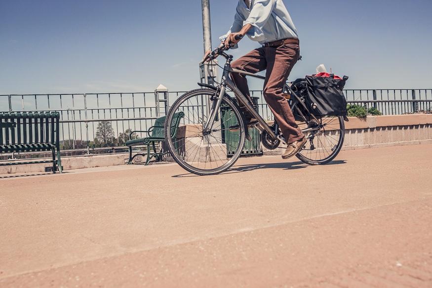हेल्थ एक्सपर्ट की मानें तो शरीर की कैलोरी कम करने के लिए साइकिलिंग से बढ़िया विकल्प कोई हो ही नहीं सकता है.