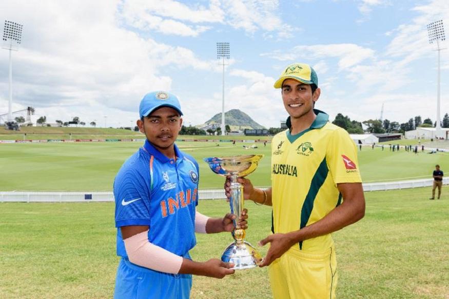 भविष्य में विश्व क्रिकेट जगत पर राज करने के लिए हिंदुस्तान में खिलाडि़यों की नई फसल तैयार हो गई है. उन्नीस साल के लड़कों ने अंडर-19 वर्ल्ड कप जीतकर क्रिकेट की दुनिया को ललकार दिया है. (फोटो साभार ट्वीटर )